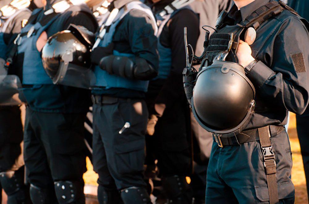 policia entrar en vivienda